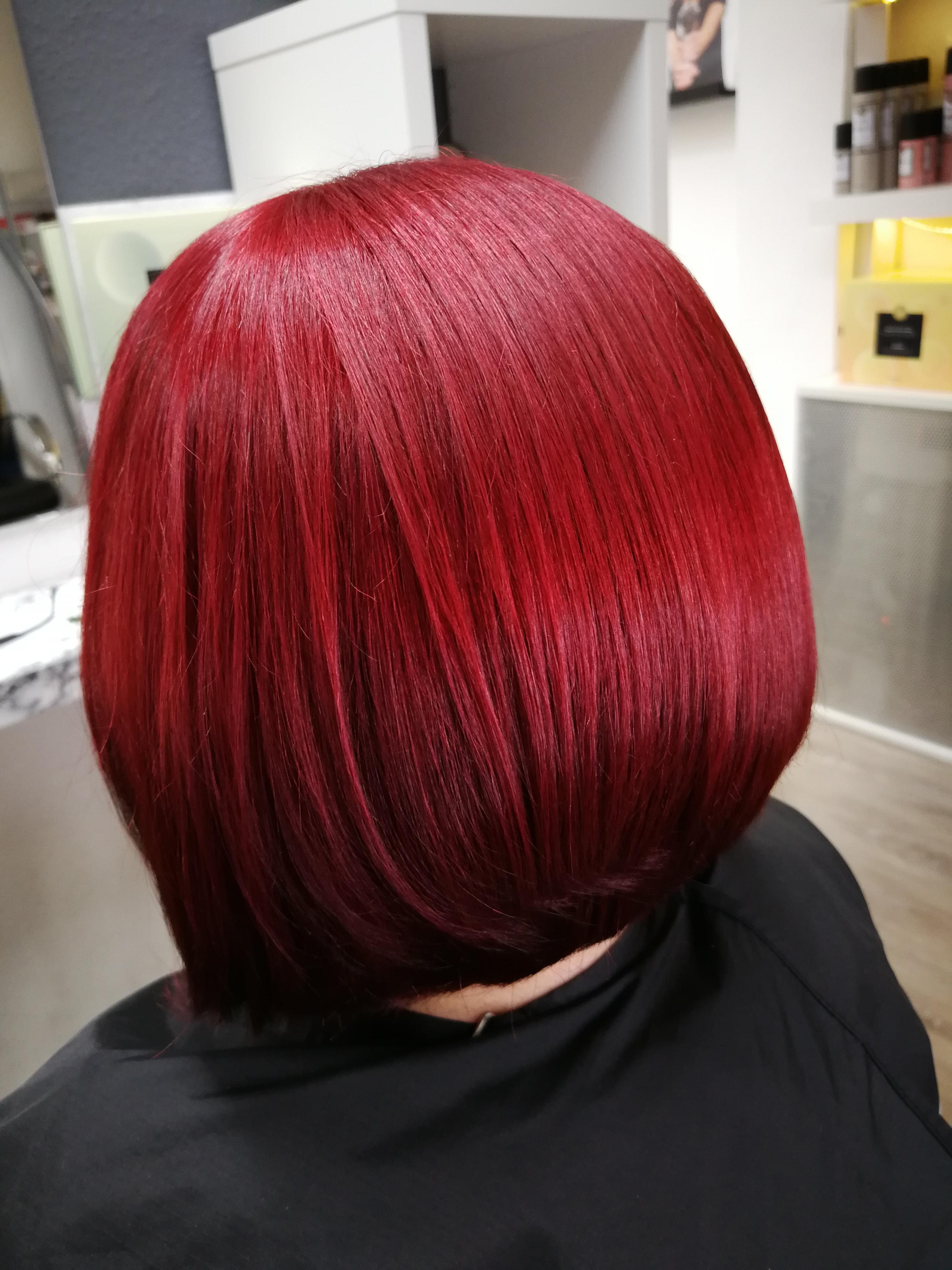 leuchtendes rot Friseur Bielefeld